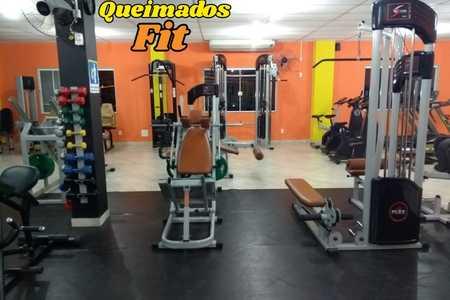 ACADEMIA QUEIMADOS FIT -