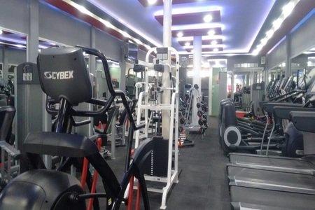 300 Sport Club -