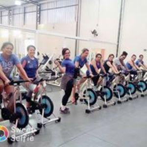 Leader fitness academia -