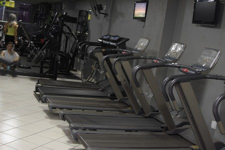 Academia Muscle Machine