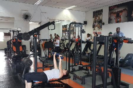 Academia Revigora Fitness -