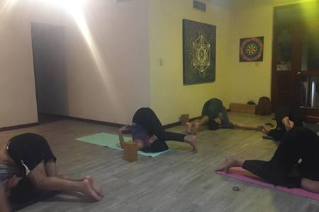 Casa de Yoga OM Stone -