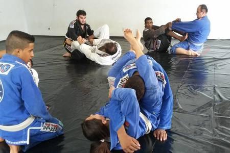 Academia de jiujitsu Saikoo Promissão -