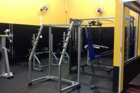 Academia Colinas Fitness -