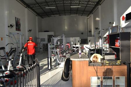 Academia Arena Fire Fitness -