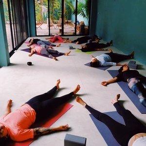 Raíz Yoga -