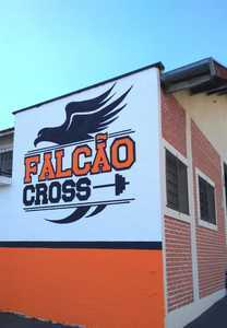 Falcão Cross
