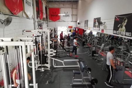 Arsenal Fitness Club Sucursal Bosque -
