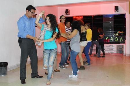 Academia de Baile Earth Dance