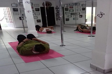 Pole Fitness Studio 87 -