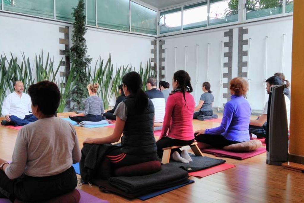 Academia yoga espacio sat lite ciudad sat lite - Espacio para el yoga ...