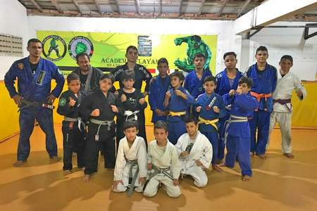 Academia Flayan -