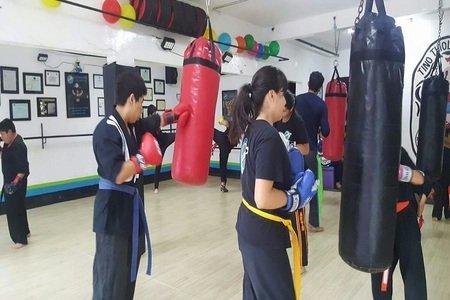 Alakai / Centro Deportivo y Cultural