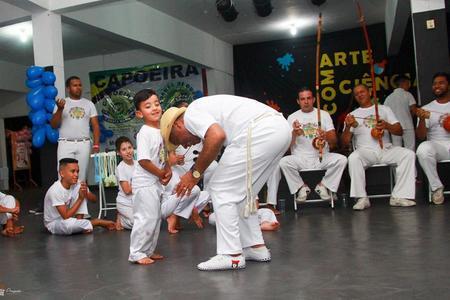 Associação de Capoeira Santa Maria – Grupo Cordão de Ouro