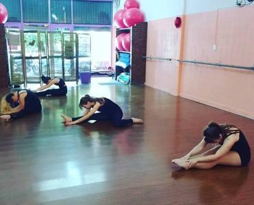 Nadia Terzi Estudio de Danza
