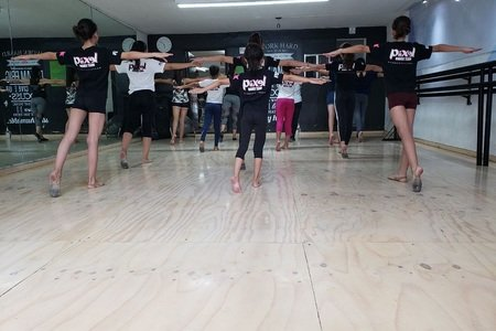 Piixel Dance Team -
