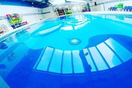 Nadar Jugando -